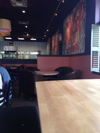 Camille's Wood Fired Pizza: Interior of restaurant