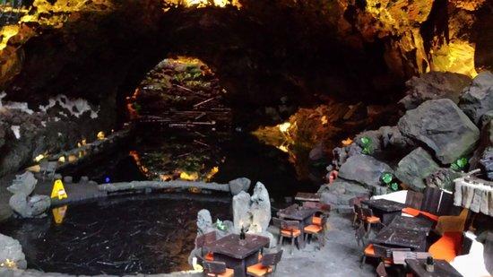 Jameos Del Agua : пещера