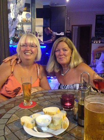 Amigos Restaurant and Roof Terrace: Julie and Linda at the Original Amigos