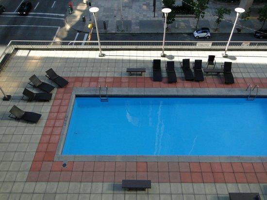 Ramada Plaza Calgary Downtown : Pool