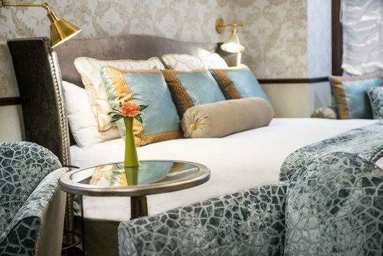 Abigail's Hotel: Emerald Room