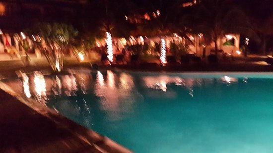Blue Lagoon Beach Hotel: Night Scene