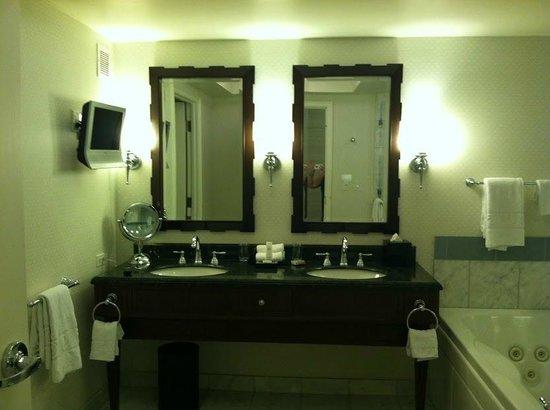 Caesars Palace: Vanity