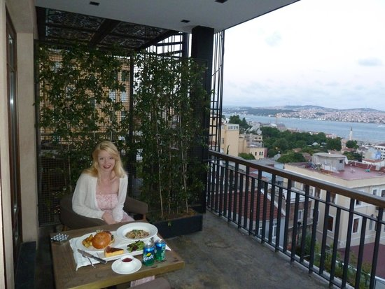 Georges Hotel Galata: Private terrace