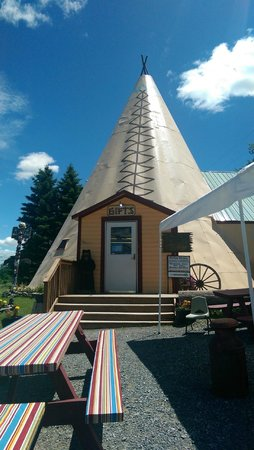 Tepee Pete's Chow Wagon: Gift Shop