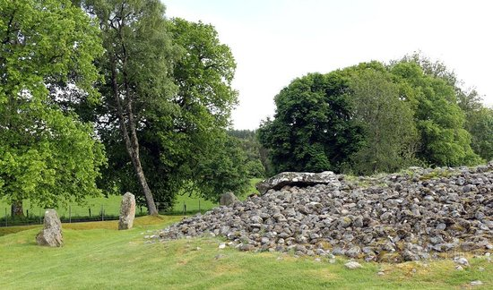 Corrimony Chambered Cairn: Umgebung des Grabs