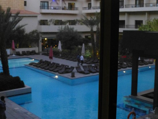 Opera Plaza Hotel: Piscine