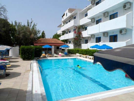 Nathalie Hotel : Pool