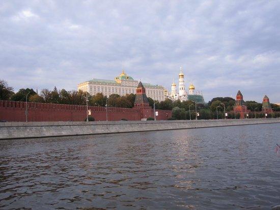Moskauer Kreml: Кремль с реки Москва