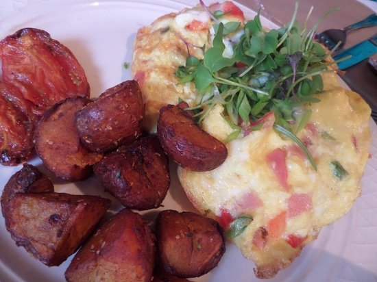 Stella's: Omelet with potatoes