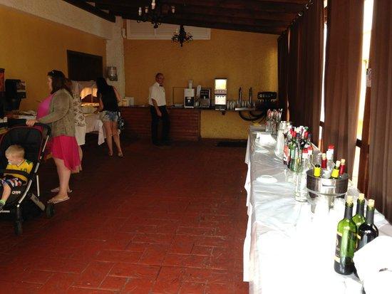 Hotasa Puerto Resort Bonanza Palace: Help yourself shack