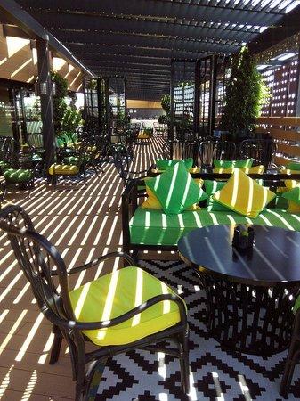 Eurostars Palace: Pool bar : superbe mais excessivement cher !