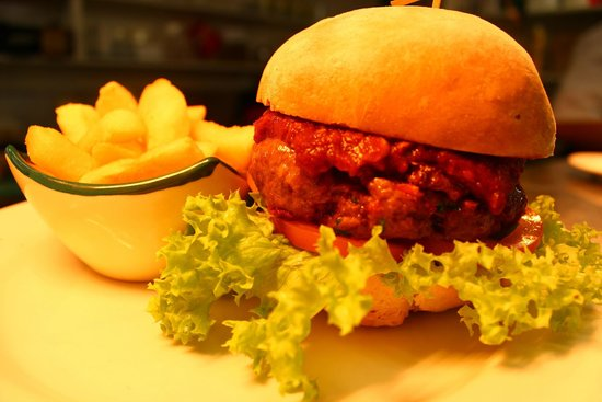 The Cellar Door Restaurant & Cafe: Venison Burger with TCD tomato relish