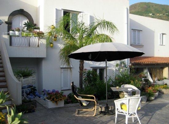 Villa Sea Rose: Esterno residence
