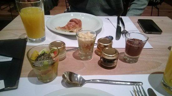 CasaSur Bellini Hotel: Arrncando con el desayuno !!