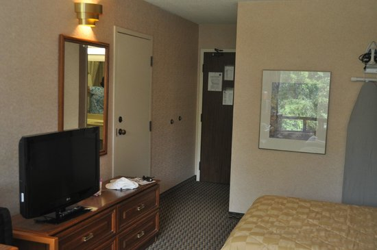Comfort Inn Owen Sound: Room 232