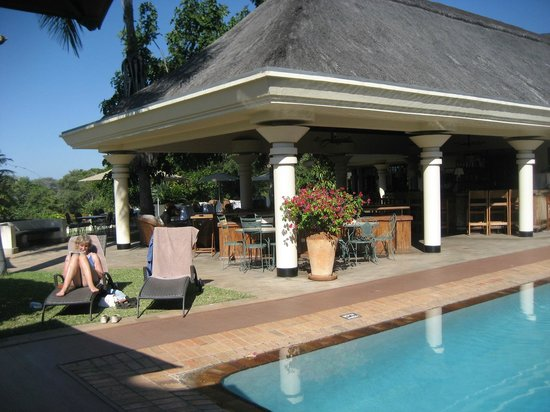 Ilala Lodge: Pool area