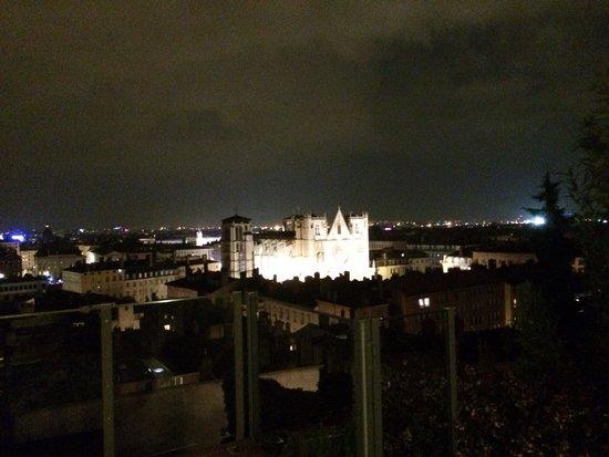 Villa Florentine: Vue du jacuzzi