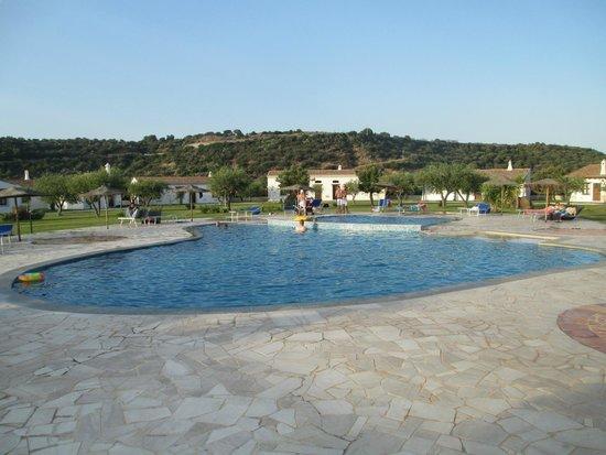 Santa Maria Resort: panoramica zona piscina