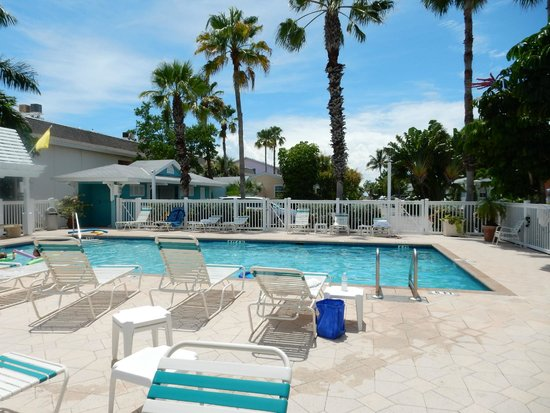 Tradewinds Beach Resort: Pool
