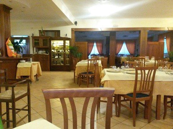 Excalibur : La sala, è giovedì, siamo i primi arrivati e dopo mezz'ora c'erano metà dei tavoli occupati.