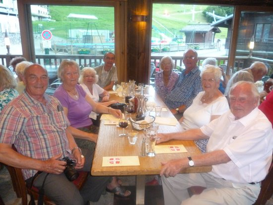 L'Auberge Des Aravis: group of friends