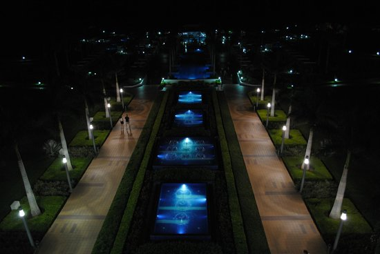 Hotel Riu Palace Costa Rica: night time view from our room