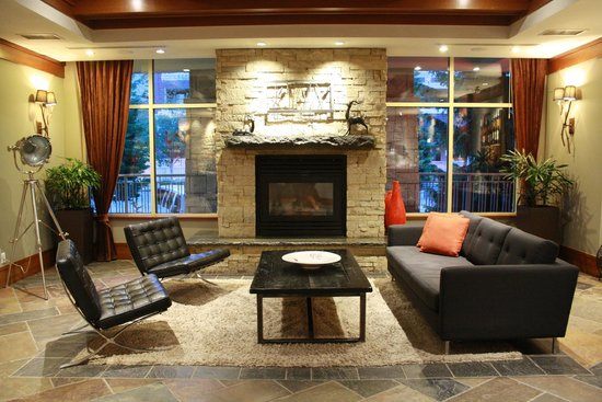 Summit Lodge Boutique Hotel: Lobby