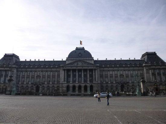 Royal Palace (Palais Royal): Royal Palace, fachada