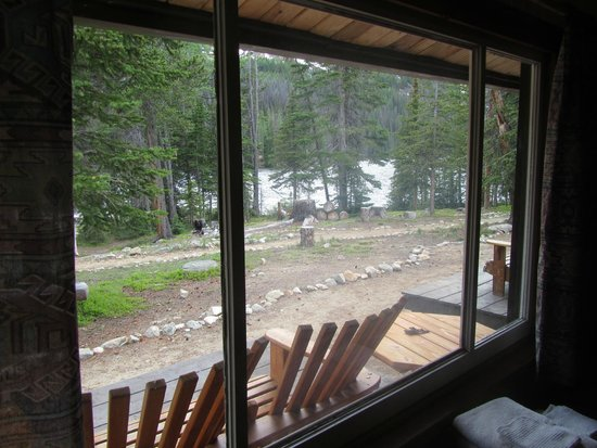 Cathedral Lakes Lodge: View from Cabin