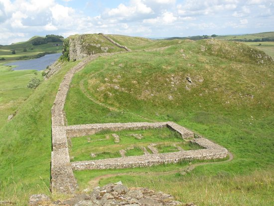 Hadrian's Wall: Base of one of the mile-castles along the wall