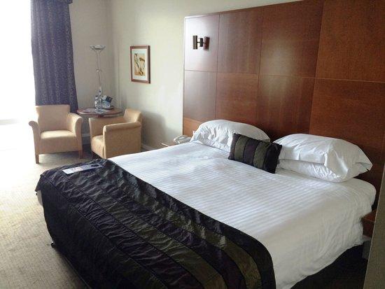 Mercure Sheffield St Paul's Hotel: Great bedroom