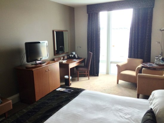 Mercure Sheffield St Paul's Hotel: Quiet and relaxing if you need to work