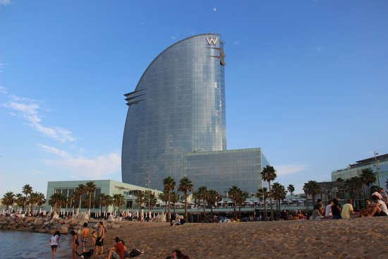 W Barcelona : Вид с пляжа
