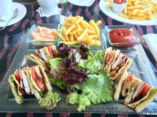 Amathus Beach Hotel Limassol : Nu Bar toasted sandwiches