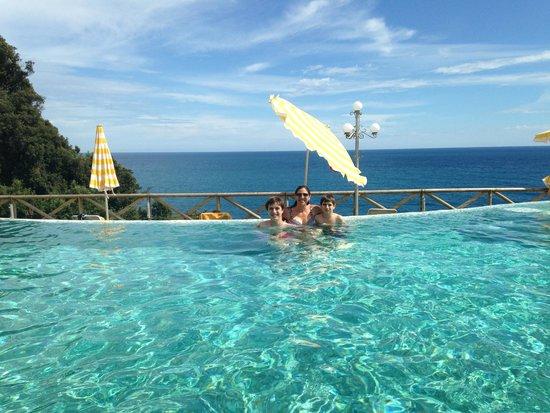 Hotel Porto Roca : Pool
