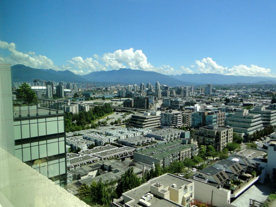 Holiday Inn Vancouver Centre: View from the top floor