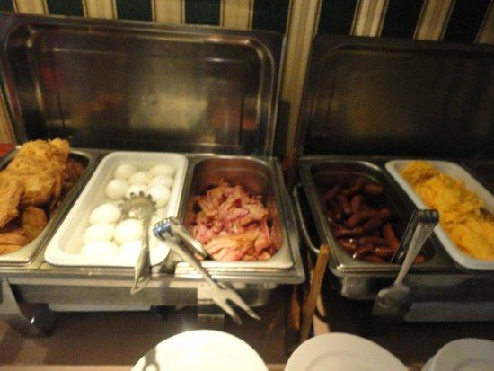 Fortuna Boat Hotel & Restaurant: Desayuno caliente
