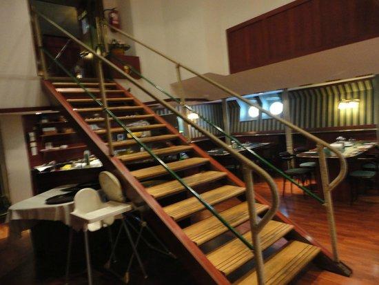 Fortuna Boat Hotel & Restaurant: Entrada al desayunador