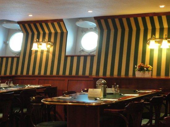 Fortuna Boat Hotel & Restaurant: Comedor