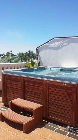 Casa Jardin: Rooftop jacuzzi