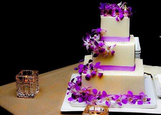 Sheraton Waikiki : Cake again!