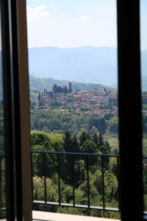 Renaissance Tuscany Il Ciocco Resort & Spa: View from our room