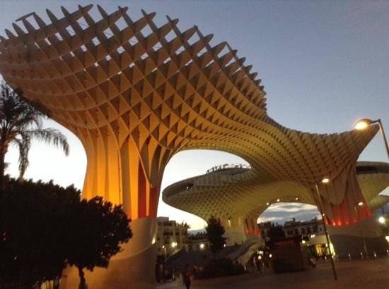 Metropol Parasol: woderful place to be during sunset in Seville.