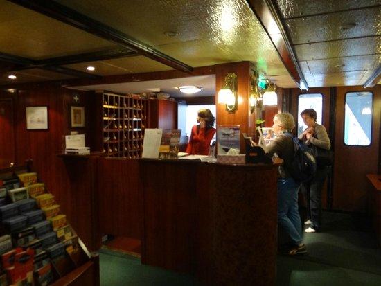 Fortuna Boat Hotel & Restaurant: Recepción