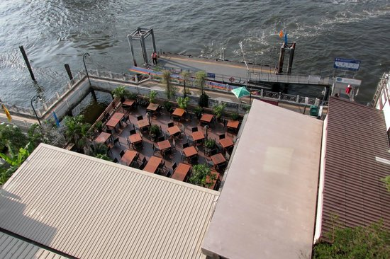 Navalai River Resort : View of the hotel's restaurant terrace from the rooftop