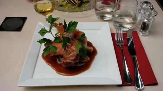 Restaurant Privilege du Perigord : Cuisse de canard confite