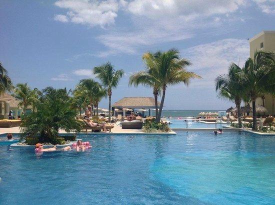 Iberostar Grand Hotel Rose Hall : Pool view.