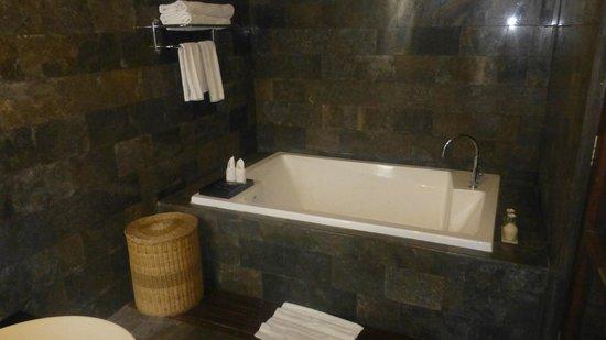 The Khayangan Dreams Villas: La salle de bains