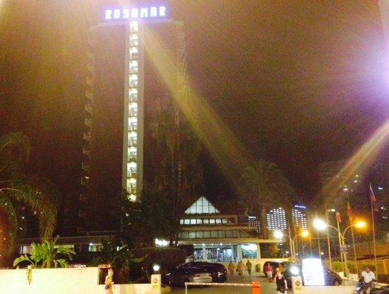 Hotel Rosamar : Rosamar by night